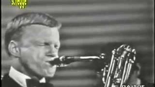 Gerry Mulligan - Walking Shoes - 1956