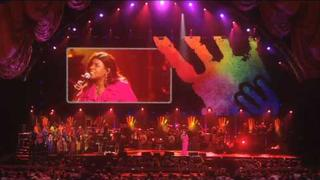 "Gloria Gaynor and Roachie perform ""Oh Happy Day"" at Mandela Day 2009 from Radio City Music Hall"