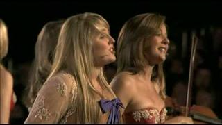 Hayley Westenra with Celtic Woman - You Raise Me Up (Live) -