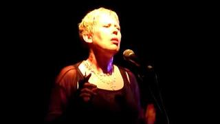 Hazel O'Connor - Chasing Cars