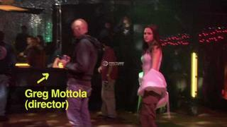 *HD* Kristen Stewart Dancing in Adventureland bonus clip