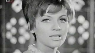 Helena Blehárová - V dálce tráva hoří (1969)