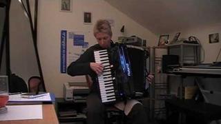 """Herz-Schmerz-Polka"" on the new Roland FR-7X"
