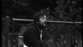 Holky z naší školky (klip z r. 1982)