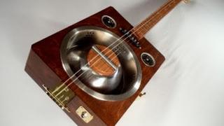 Homemade Guitar Finished - Robert Johnson Tribute - Part 8