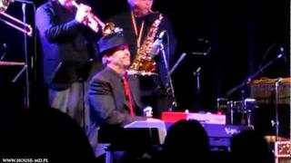 Hugh Laurie dances on stage with The Band From TV