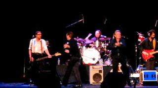 """I'm a Believer"" Davy Jones and David Cassidy .. Bergen PAC, Englewood NJ Sept. 7, 2011"