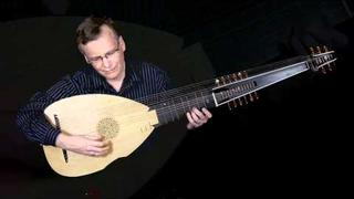 It is a wonder to see: David Tayler, archlute solo
