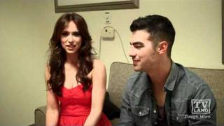 Jennifer Love Hewitt & Joe Jonas on Hot in Cleveland