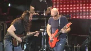 "Joe Satriani w/ John Petrucci live ""Summer Song"" Best Buy Theater, NYC 12/13/10 [HD]"