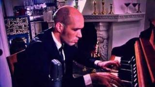 Kaizers Orchestra - Die Polizei