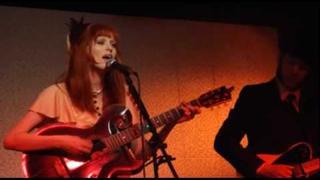 Karen Elson - 'Lunasa' / 'Cruel Summer' Live At Third Man Records, Nashville