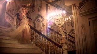 Karolina Kurkova: Bohemian Glamour