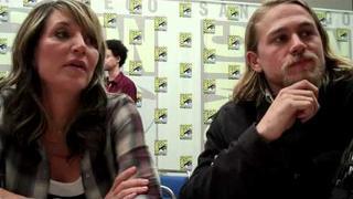 Katey Sagal & Charlie Hunnam Talk Sons of Anarchy S.3 - TVaholic.com at Comic-Con 2010