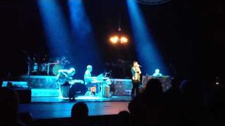 "Kelly Clarkson Performs Barbra Streisand's ""My Man"" at Radio City (1/21/12)"