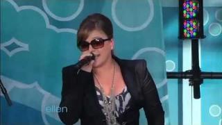 Kelly Clarkson Performs Her Greatest Hits