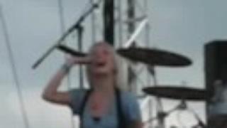 Krystal Meyers: L♥ve It Away ( live )