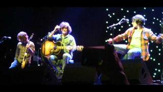Kyle Falconer- Don't Look Back In Anger acoustic oasis cover( better audio version)