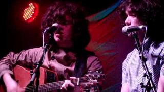 Kyle & Ronnie Falconer duet @ Dexters acoustic, 28/05/10. Crowded House cover. Movie by Daisy
