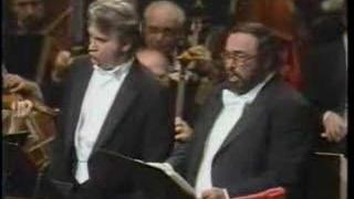 "L. Pavarotti & D. Hvorostovsky ""Invanno Alvaro"" Gala Tucker"