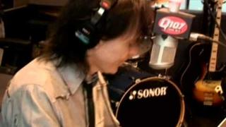 "Lawrence Gowan performs ""Strange Animal"" on the Kim Mitchell Show"