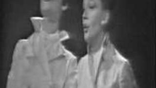 """Lena Horne & Judy Garland -- """"Day In, Day Out"""""""