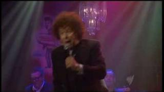 Leo Sayer - I Won't Let The Show Go On (RocKwiz)