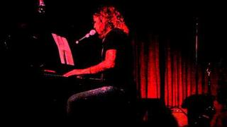 "Linda Perry - ""Joey"" - Live at Hotel Cafe"