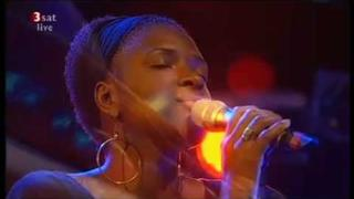 Lizz Wright and Band (Live) - Blue Rose