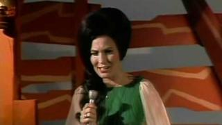 Loretta Lynn - Wings Upon Your Horns (2)