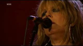 Lucinda Williams - Still I Long For Your Kiss (Live)