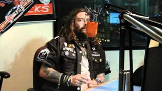 Max Cavalera talks about new Soulfly music and confirms that he once puked on Eddie Vedder
