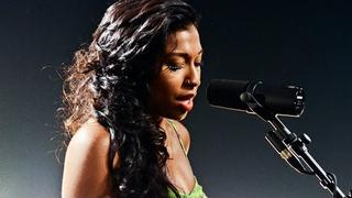 "Melanie Fiona - ""Wrong Side of a Love Song"" LIVE (Studio Session)"