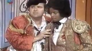MICHAEL JACKSON, Marlon Jackson & Dom DeLuise - funny skit - Variety show - 1977