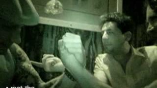 Mike Dirnt Arm Wrestling by nickycool