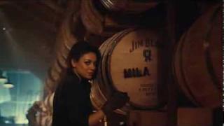 Mila Kunis v reklamě na Jim Beam