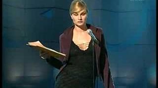 Na Stojáka - Blondýna si založila vlastní politickou stranu