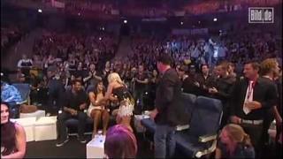 Natalie Horler wins best Female Singer at Comet 2010 awards