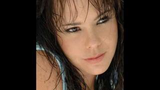 Natasha Klauss 2