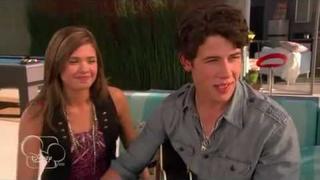 Nick se přiznava city k macy