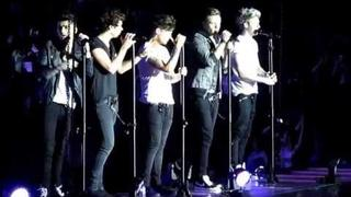 One Direction sing moments