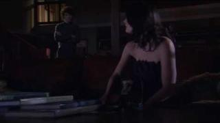 Paget Brewster and Anton Yelchin as Beth and Byrd on Huff