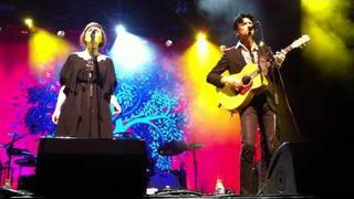 Paul Dempsey & Sarah Blasko performing Distant Sun