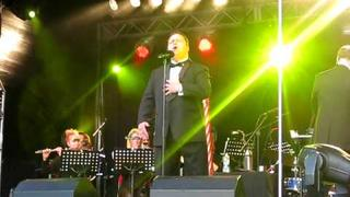 Paul Potts sings Il Gladiatore at Ponty in the Park, 24th July 2011