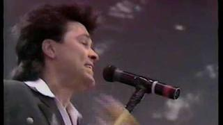Paul Young intro + Come back & Stay @ Live Aid 85