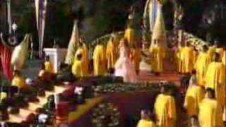 PAULINA RUBIO - JOY TO THE WORLD (Joy To The World - (Disney's Christmas Parade 2005)