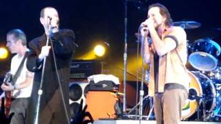 """Pearl Jam with Mike Ness - """"Down"""" - Philly Spectrum 10/28/09"""