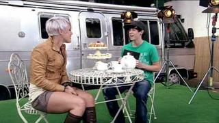 P!nk - Everybody Loves Lil Chris Interview