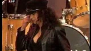 Queen with Patti Russo Show must go on