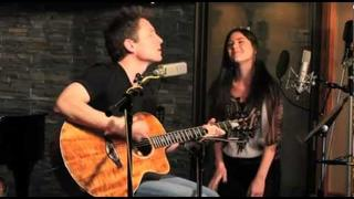 "Richard Marx and Sara Niemietz - ""Keep Coming Back"" (Live)"
